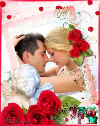 Романтическая фоторамка с ангелом, красными розами и нежными лепестками роз